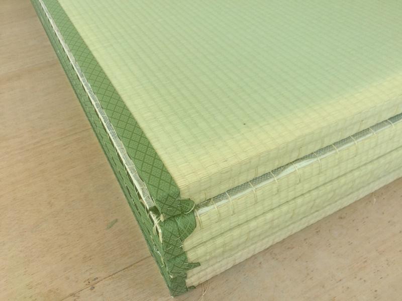 積み重ねられた畳