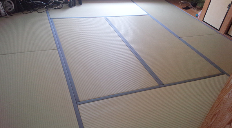 名張市つつじヶ丘北お手入れし易い樹脂で出来たカラー畳表替え工事